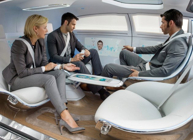 Mercedes F015 Luxury in Motion 2.jpg