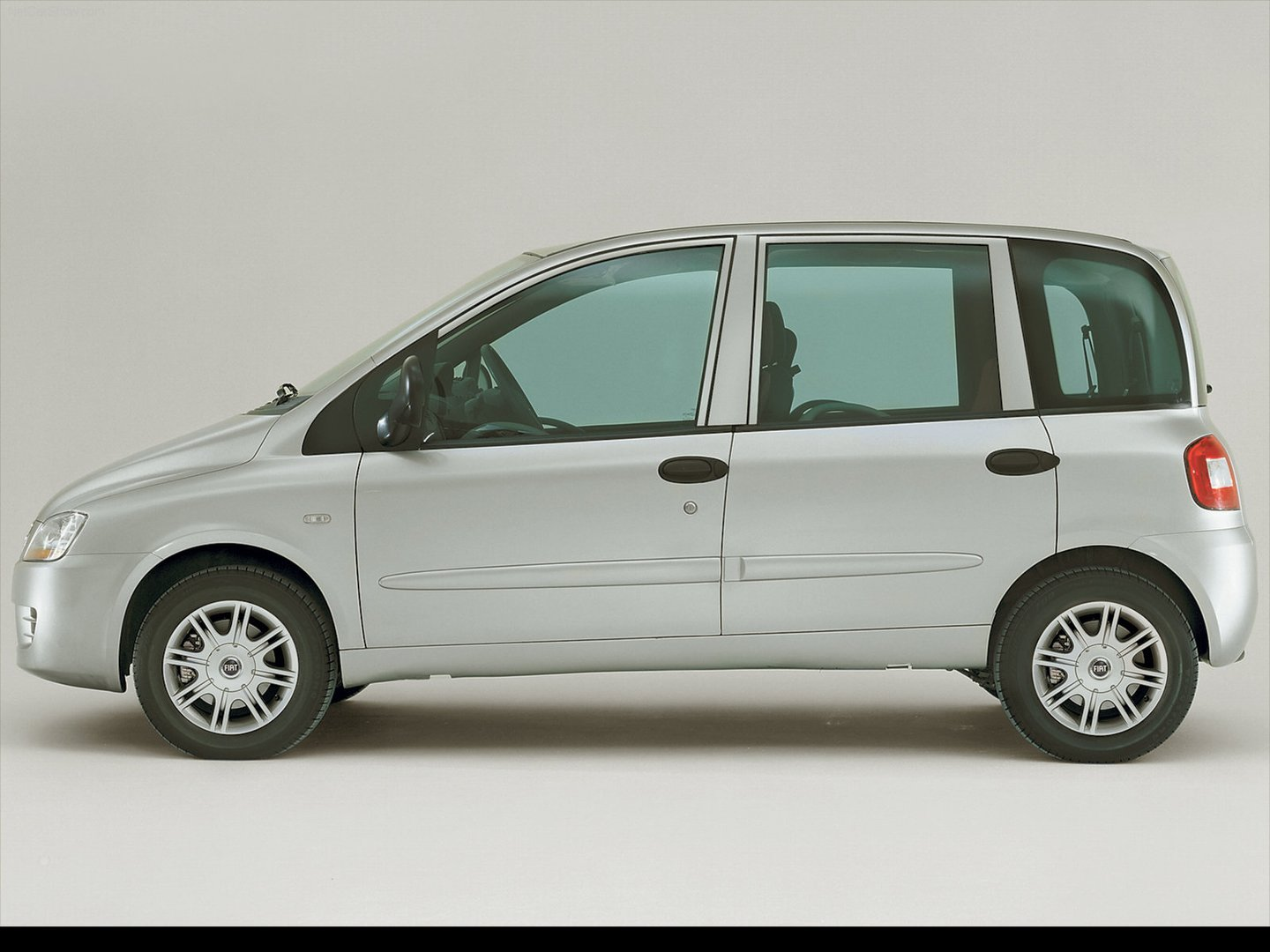 Fiat-Multipla_2004_1600x1200_wallpaper_38.jpg